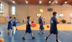 Giochiamo a minibasket con i palloncini